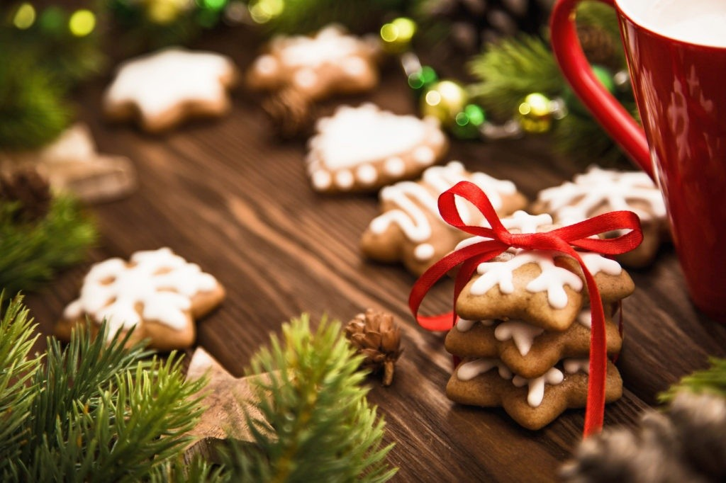 Christmas cookies with red bow